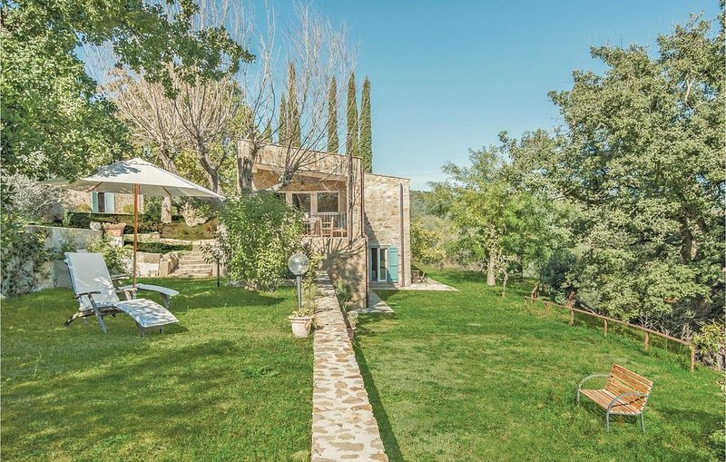 3 Zimmer Unterkunft in Pereta -GR-, holiday rental in Pereta