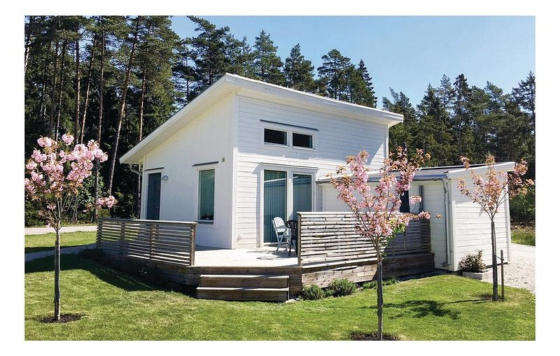 2 Zimmer Unterkunft in Gotlands Tofta, vacation rental in Gotland