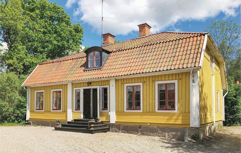 4 Zimmer Unterkunft in Lindesberg, Ferienwohnung in Örebro län