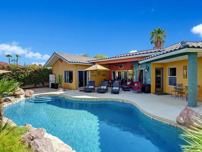 Enjoy the Sun at a Private Family Friendly Mediterranean Retreat in Palm Desert!, alquiler de vacaciones en Palm Desert