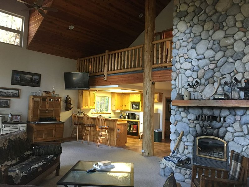 YOSEMITE Sugar Pine Cabin, 7 Miles To The South Entrance Of The Park., alquiler de vacaciones en Oakhurst