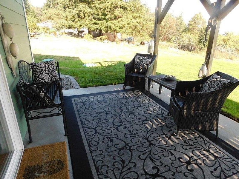 Amazing Views! New Off-Season Pricing!, vacation rental in Oak Harbor