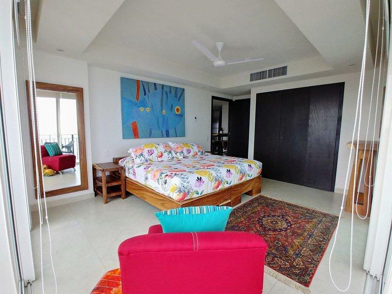Value $$ beach+pools, 2bed RM, full kitchen, WIFI, 24hr security & restaurant., vacation rental in Puerto Vallarta