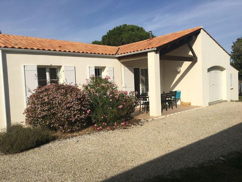 Maison moderne  200 m plage 8 personnes FR8MKUAC ***, location de vacances à Saint-Pierre-d'Oléron