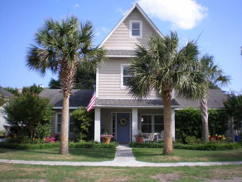 �SUMMER 2021 on Isle of Palms�Beautiful family friendly beaches and community, holiday rental in Isle of Palms