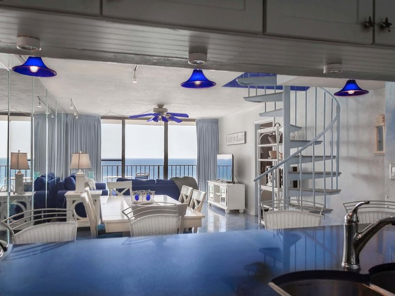 Edgewater Beach Resort! T2- 3BR/3BA Penthouse with Private Rooftop Deck! Wow!, alquiler de vacaciones en Panama City Beach