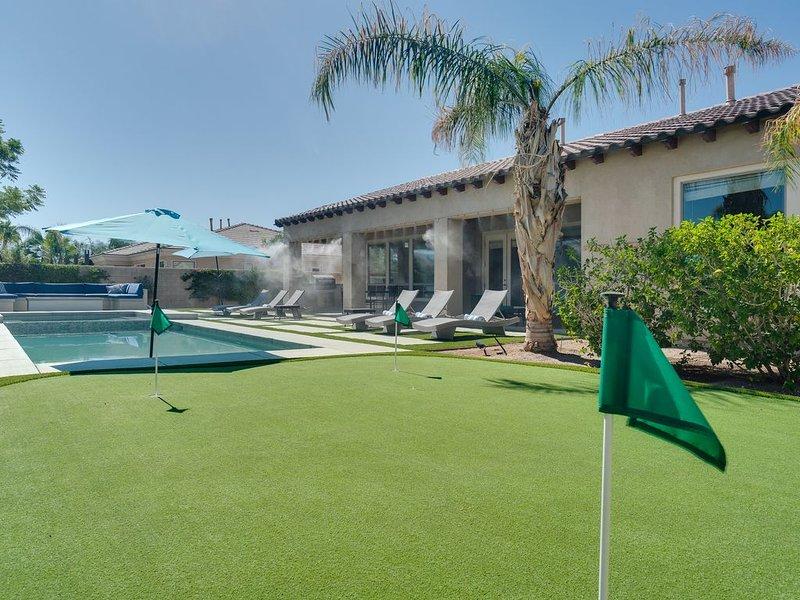 BACKYARD PARADISE (walk to FESTIVALS!) MONTAGE!! Spa/Pool/Mist/Putting Green!, alquiler de vacaciones en Indio