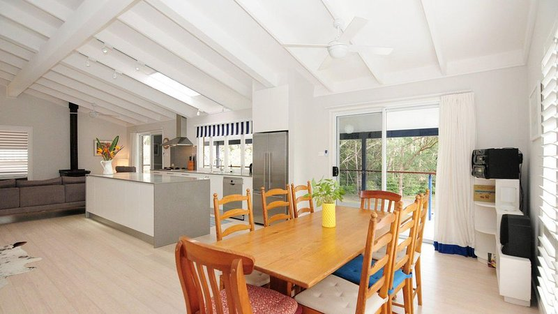 Mariner's Retreat :: 4 Bedroom home close to park, beach and shops, casa vacanza a Worrowing Heights