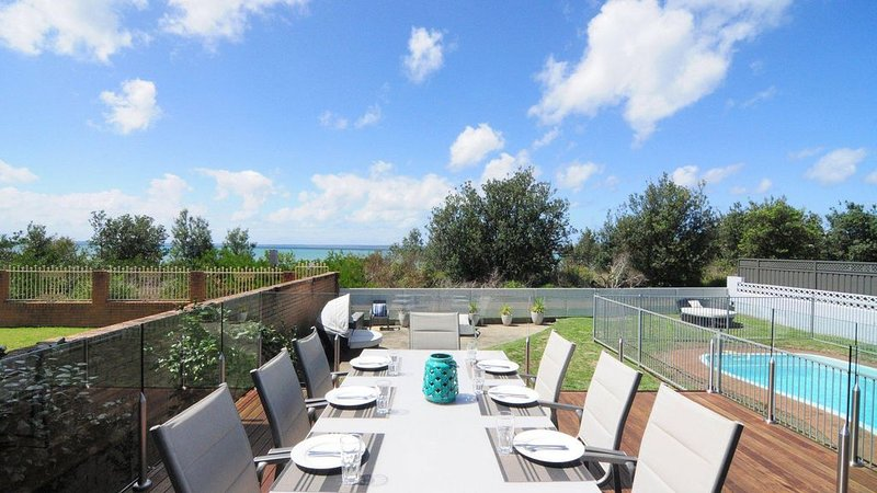 Bella Blu :: 3 bedroom home with pool, on Collingwood Beach, holiday rental in Jervis Bay