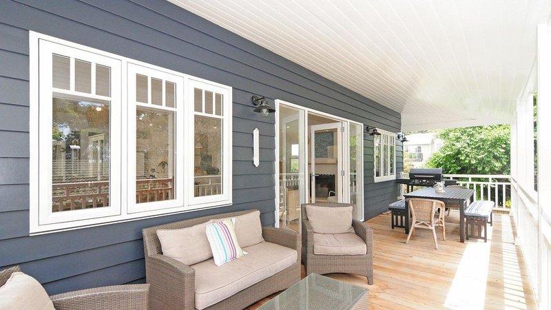 This Is It :: Beautiful home close to Orion Beach, location de vacances à Vincentia