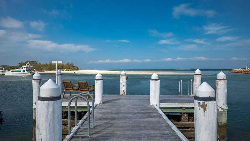 The Jetty :: Stunning water views, holiday rental in Woollamia