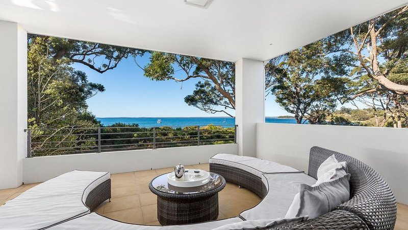 The White House :: Luxury on the beach, holiday rental in Jervis Bay
