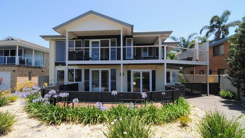 Arcadia :: Across the road from the beach, with views of Jervis Bay, location de vacances à Vincentia