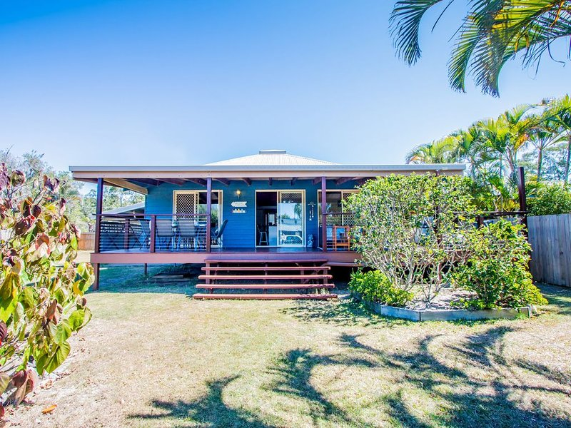 IDLE DAZE BEACH HOUSE, holiday rental in Deepwater