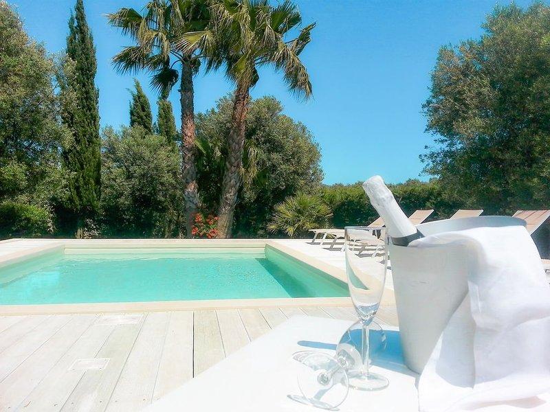 Villa Gina - Torre San Giovanni con piscina a 5 minuti dalle Maldive del Salento, vacation rental in Ugento