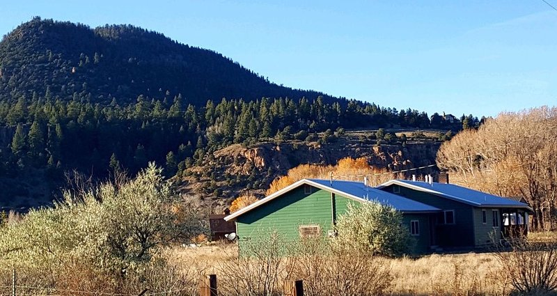 Warton Wilderness. Secluded Mountain Home, holiday rental in South Fork
