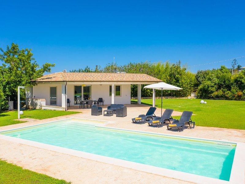 Villino Malva: Large Private Pool, A/C, WiFi, holiday rental in Scicli