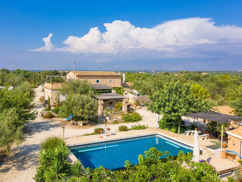 Villa Nina: Large Private Pool, A/C, WiFi, vacation rental in Scicli