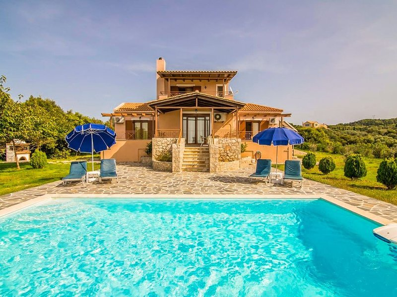 Villa Aetos: Large Private Pool, Sea Views, A/C, WiFi, Eco-Friendly, vacation rental in Assos
