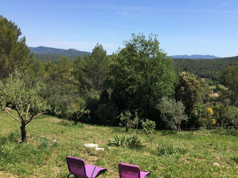 Maison pleine campagne La cabane de Chifounette, casa vacanza a Callas
