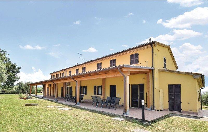2 Zimmer Unterkunft in Montefelcino, vacation rental in Fossombrone