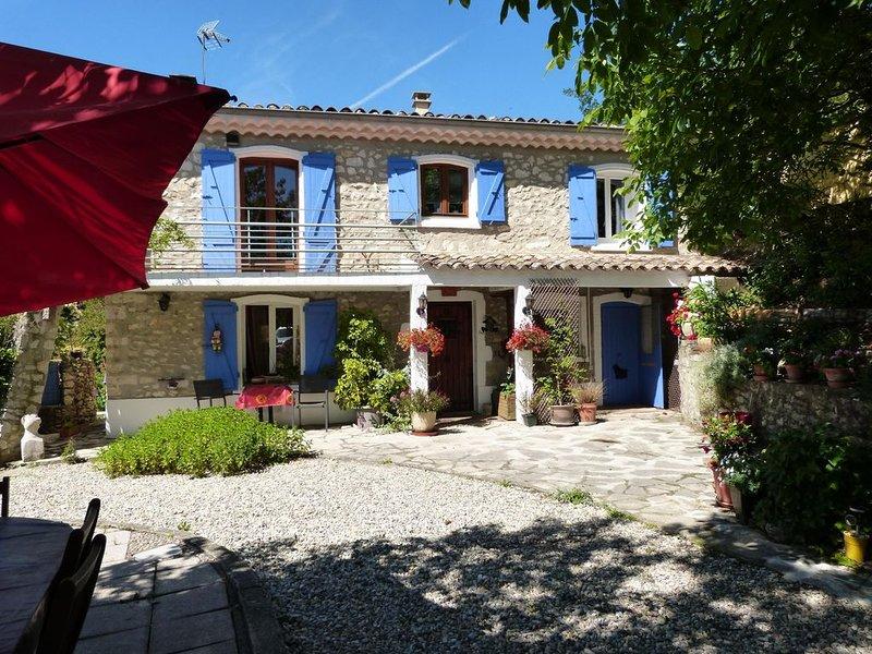 Gîte indépendant 3 étoiles dans maison provençale ., location de vacances à Drôme