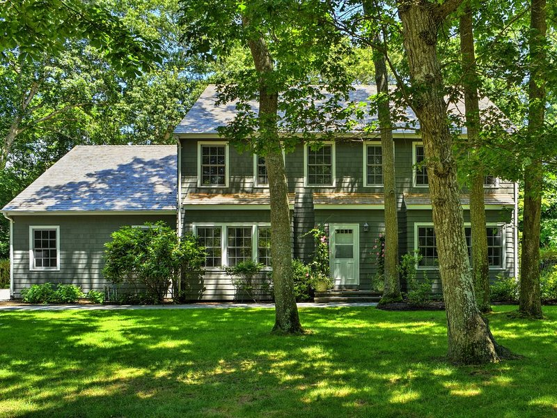 Beautifully Maintained Home in Prestigious East Hampton, New York, location de vacances à East Hampton