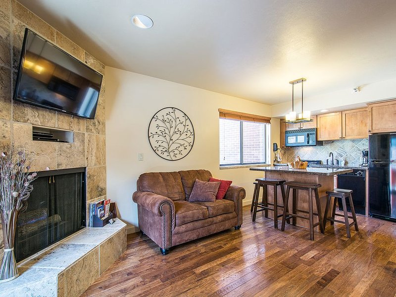 TRUE Ski-In/Ski-Out PARK CITY VACATION CONDO with MOUNTAIN VIEW!, alquiler vacacional en Park City
