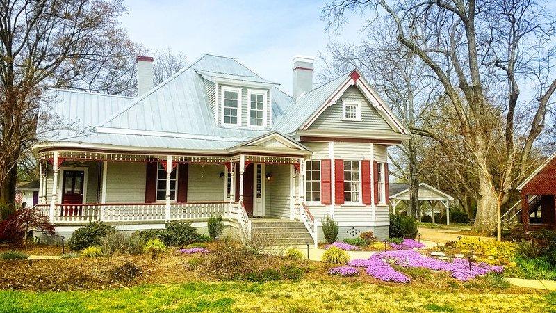 La maison Jones est à seulement 1 pâté de maisons.