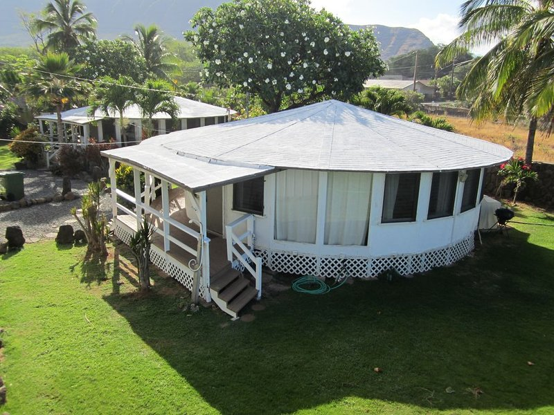 Beach Front Family Vacation on Makaha Beach. A secluded, relaxing beach in Oahu., alquiler de vacaciones en Waianae