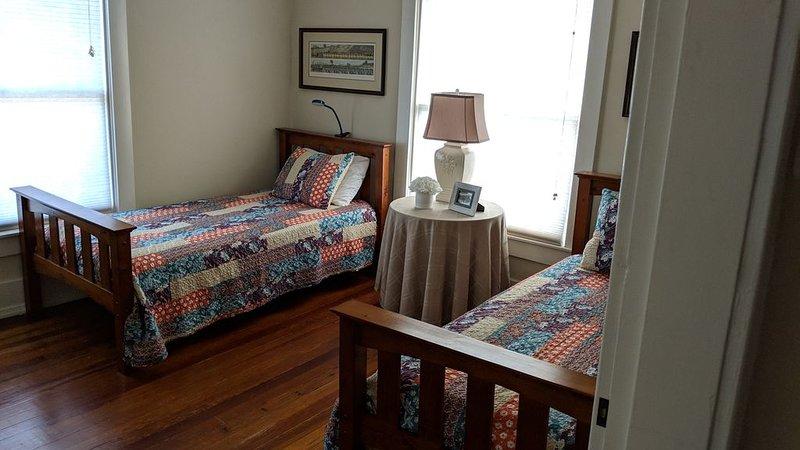 Third Bedroom (2 twin beds)