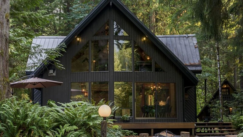 Snowline community, closest lodging to Mt. Baker, vacation rental in Glacier