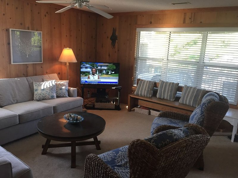 Carolina Sunshine 3 Bedroom 2 Bath Condo – semesterbostad i Corolla