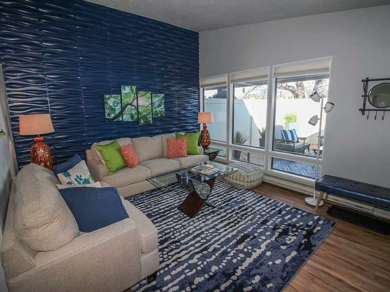 ALLERGY FRIENDLY! CLOSE TO RESTAURANTS, MEDICAL, CMU, DOWNTOWN GJ, vacation rental in Fruitvale
