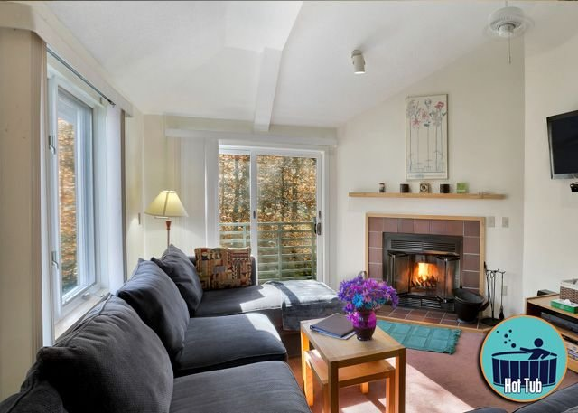 Beautiful condo with fireplace, on site spa & fitness center Woods Resort 26, alquiler vacacional en Mendon