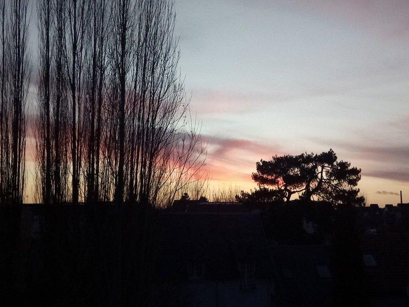 Un coucher de soleil vu du balcon.
