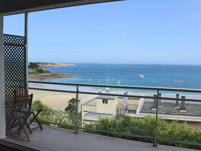 Vue mer exceptionnelle pour ce T2 refait à neuf !, location de vacances à Perros-Guirec