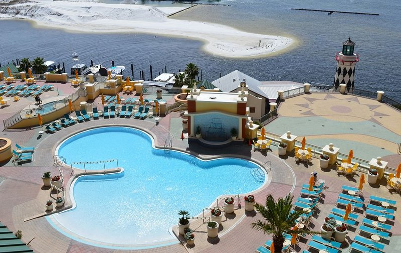 Emerald Grande 7th Flr�� Best View in Destin��Pool�� Harbor & Gulf View!, aluguéis de temporada em Miramar Beach