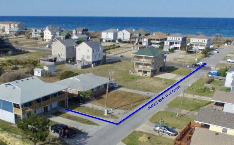 El alquiler se encuentra en una zona tranquila, a pocos pasos de la playa y las tiendas.