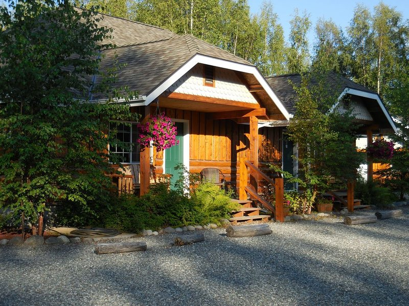 Deluxe suites within walking distance of downtown Talkeetna, alquiler vacacional en Trapper Creek
