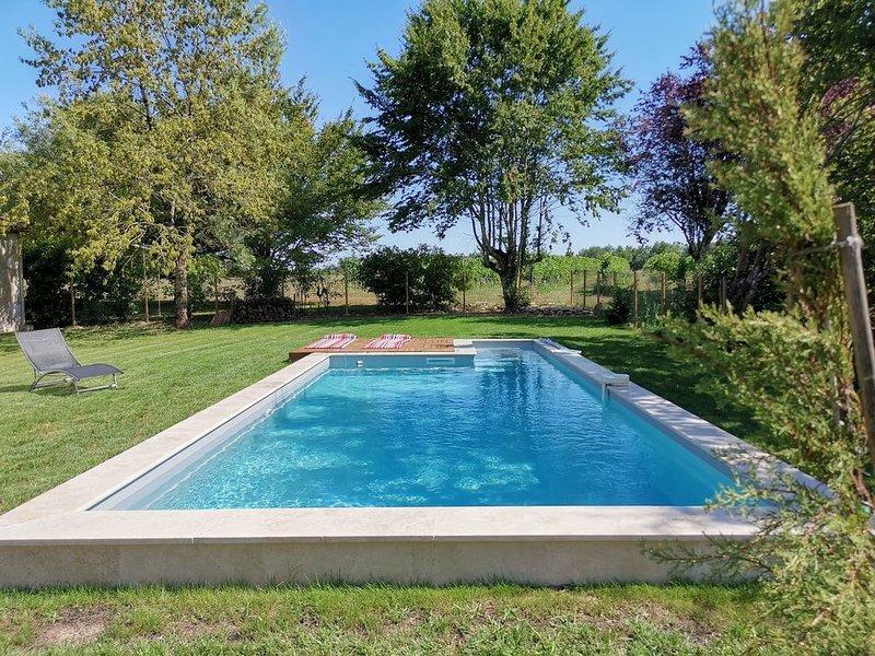 longére en pierre avec sa piscine au cœur du vignoble de Monbazillac, holiday rental in Monestier