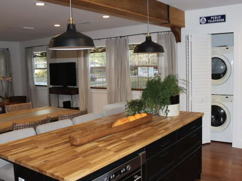 Newly Renovated House In The Heart Of Tampa, holiday rental in Carrollwood