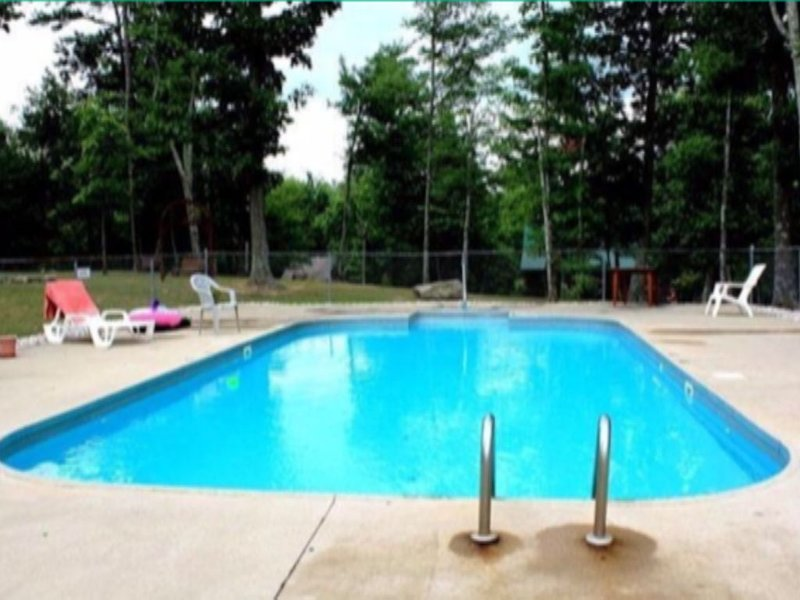 Private Cottage at Lake Cumberland Resort- a gated lakefront Community, holiday rental in Somerset