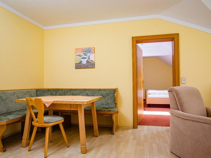 Ruhig gelegenes Appartment nahe den Thermen Bad Füssings, holiday rental in Bad Fussing