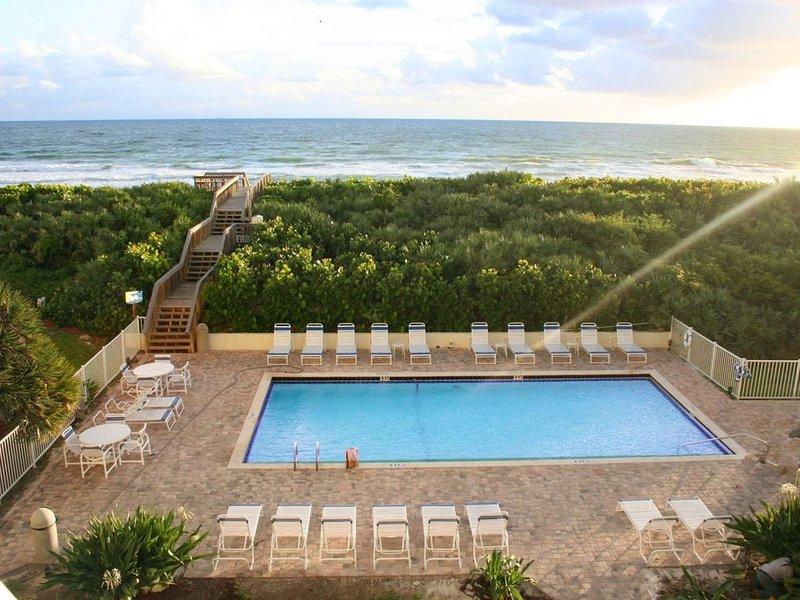 Resort Villas Pelican & Spoonbill Community Swimming Pool