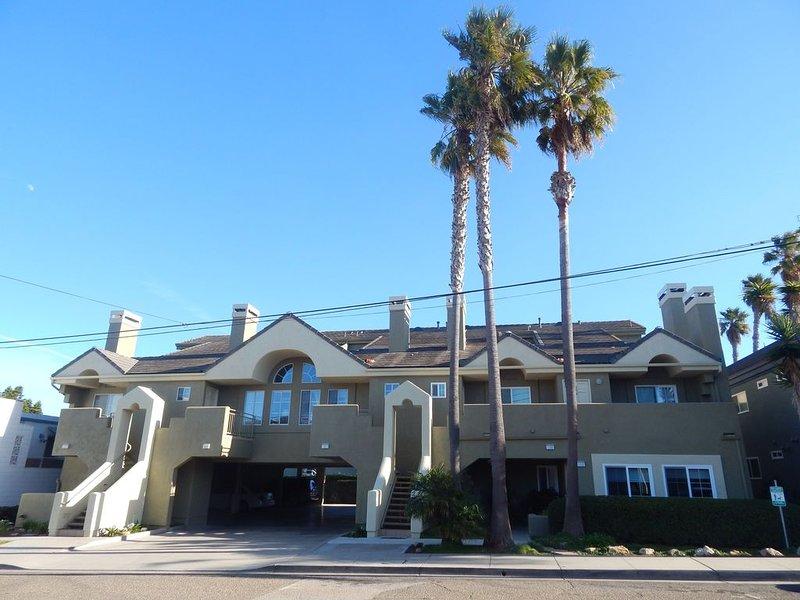 160 Ocean View: 2  BR, 2  BA Condominium in Pismo Beach, Sleeps 8, holiday rental in Pismo Beach