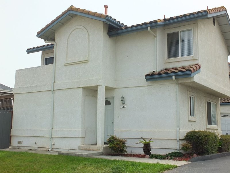 618 Airpark: 2  BR, 2  BA Condominium in Oceano, Sleeps 4, location de vacances à Oceano