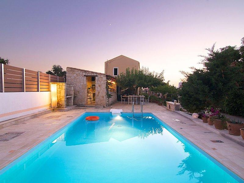 Villa Mitos - Beautiful Small Villas near to Rethymno City and Beach, holiday rental in Atsipopoulo