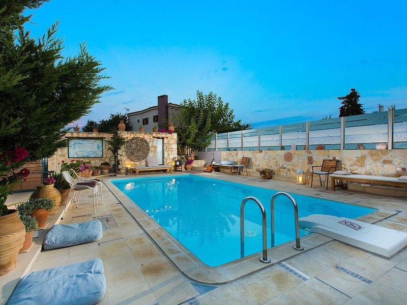 Villa Notos - Beautiful Small Villas near to Rethymno City and Beach, holiday rental in Atsipopoulo