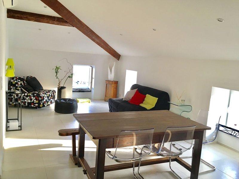 Magnifique appartement 110m2 bord de mer en plein centre, vacation rental in Propriano
